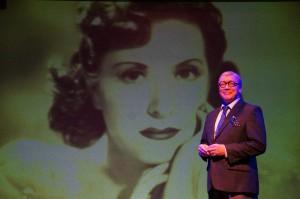 George Burns with Gracie behind closeup